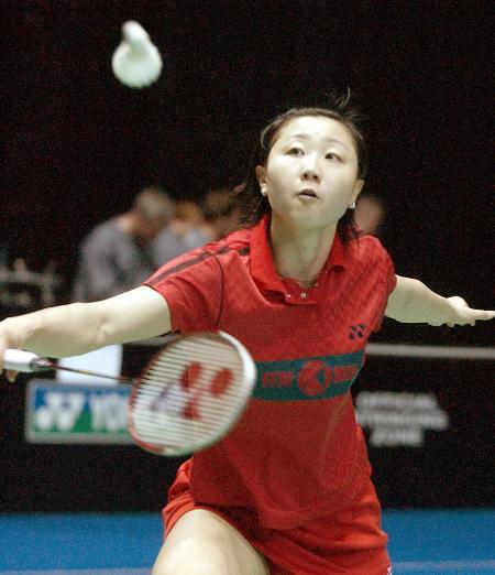 ...全英羽毛球公开赛女单比赛中,以2比0战胜韩国选手全在娟,进入